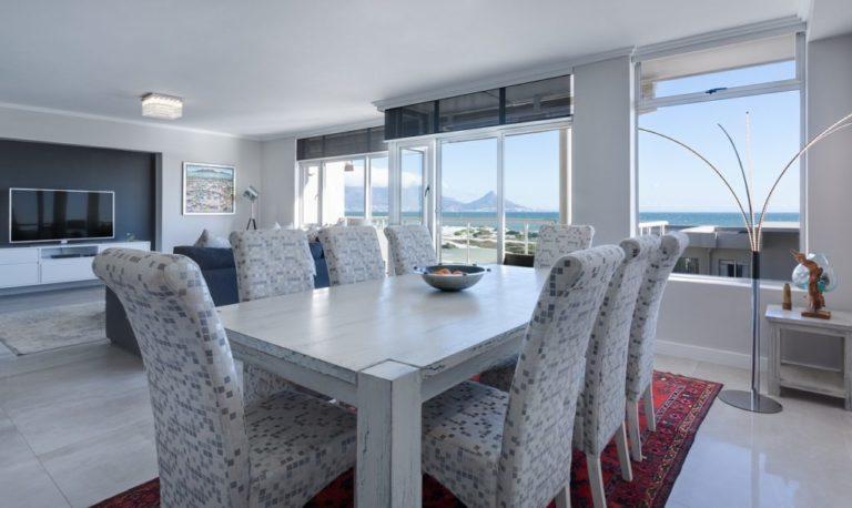 dining-room-3108037_1280-1024x610-min